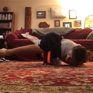 Dressember yoga - arm balance